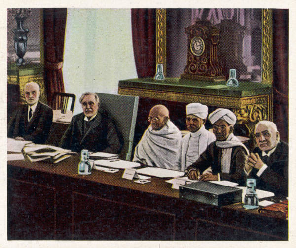 Equal Rights Photograph - Gandhi At The Round Table  Conference by Mary Evans Picture Library