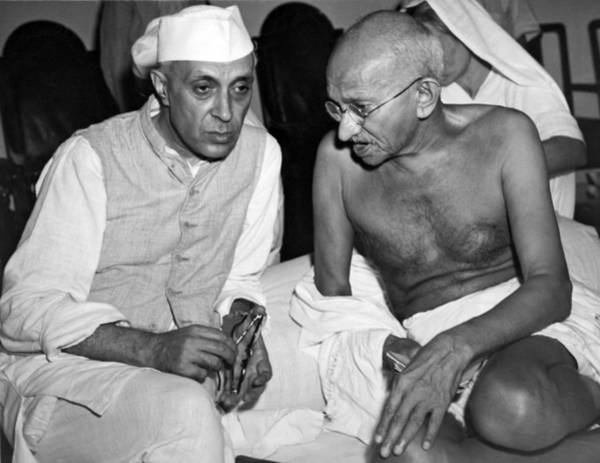 Wall Art - Photograph - Gandhi Talks With Nehru by Underwood Archives