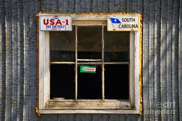 Photograph - Garage Window by Les Palenik
