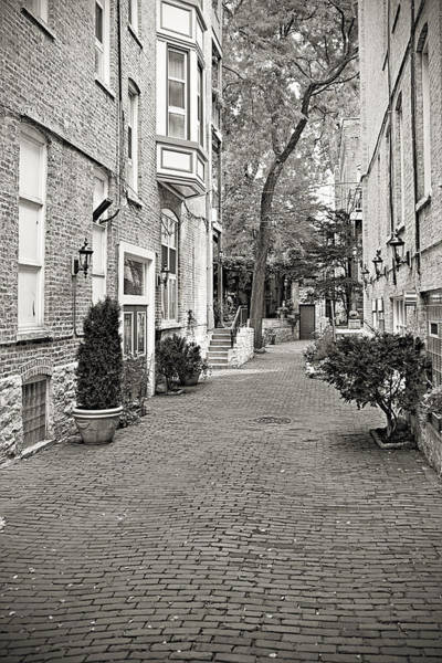 Wall Art - Photograph - Gaslight Court Chicago Old Town by Christine Till