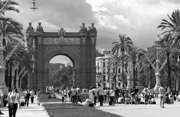 Photograph - Gathered At The Arc De Triomf by Lorraine Devon Wilke