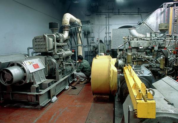 Generators Photograph - Generator Room by Pascal Goetgheluck/science Photo Library