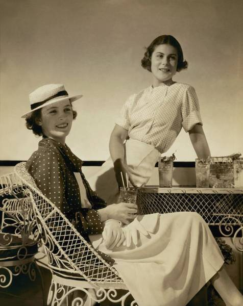 Wicker Chair Photograph - Georgette Whelan And Mimi Richardson by Edward Steichen