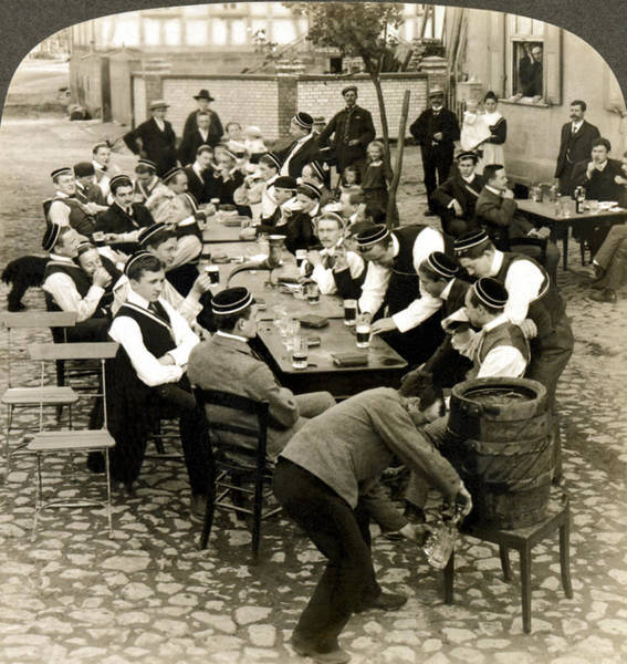 1890s Wall Art - Photograph - German Students Drinking Beer by Underwood Archives