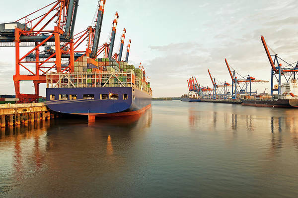 Cargo Ship Photograph - Germany, Hamburg, View Of Container by Westend61