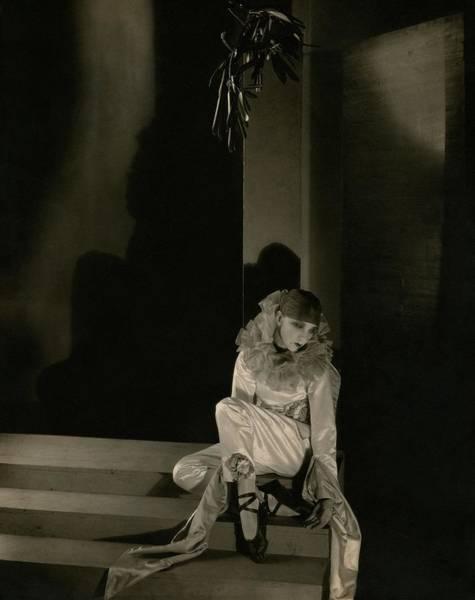 Leaf Photograph - Gertrude Lawrence As Pierrot by Edward Steichen