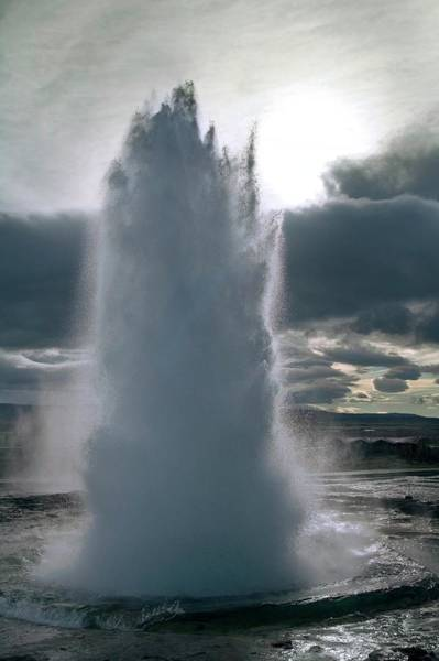 Rising Water Photograph - Geyser Erupting by Steve Allen/science Photo Library