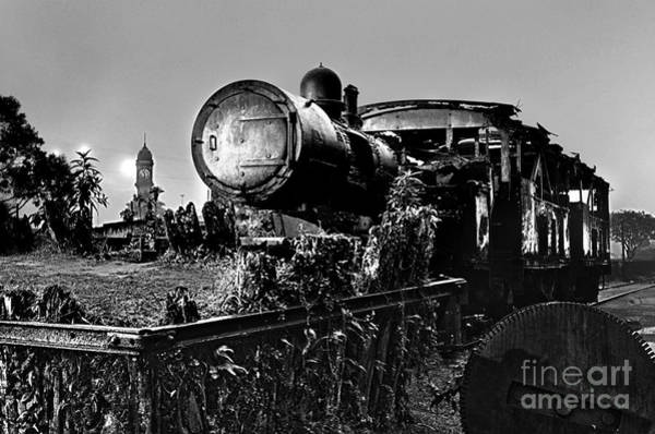 Photograph - Ghost Train In Paranapiacaba - Locobreque by Carlos Alkmin