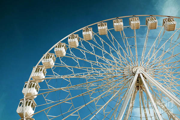 Fairground Photograph - Giant Ferris Wheel by Carlos Caetano