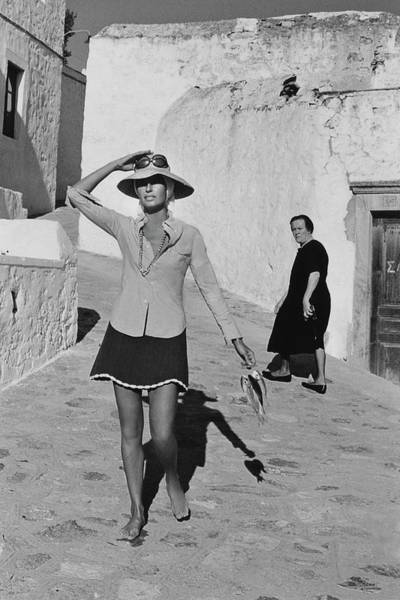 Two People Photograph - Ginette Camo In Patmos by Henry Clarke