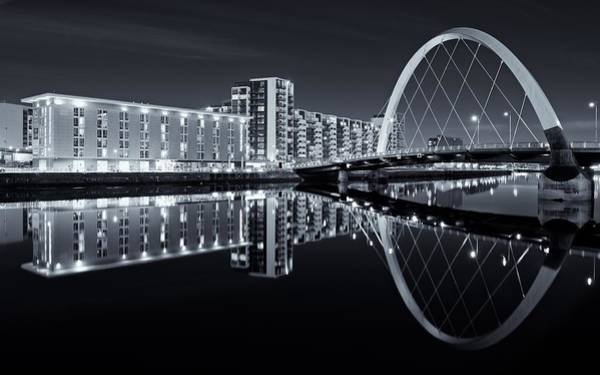 Glasgow In Black And White Art Print