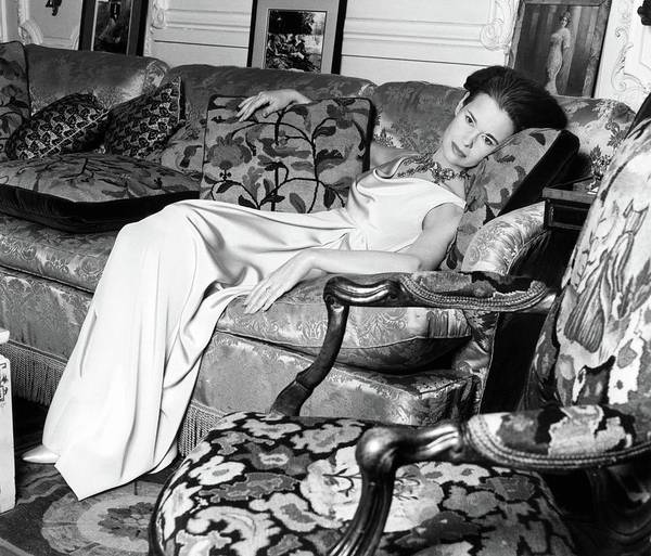 Wall Art - Photograph - Gloria Vanderbilt Reclining On A Couch by Horst P. Horst