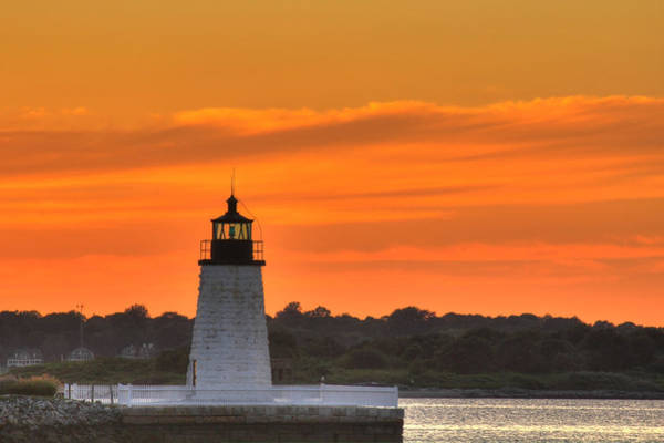 Newport Ri Wall Art - Photograph - Goat Island Light by Andrew Pacheco