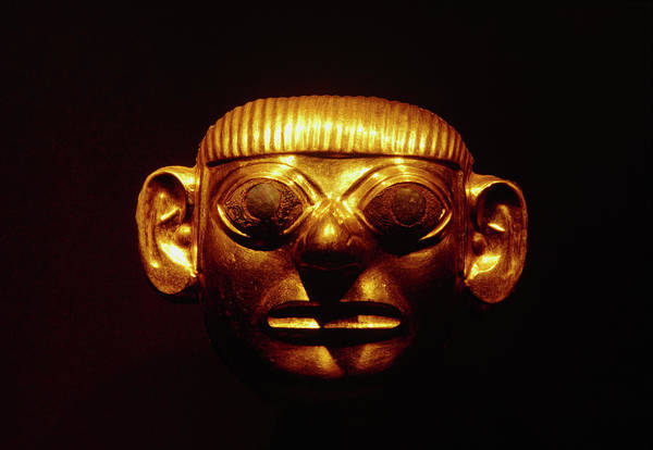 Peru Photograph - Gold Mask From The Lord Of Sipan's Tomb by Pasquale Sorrentino/science Photo Library