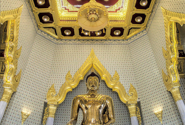 Photograph - Golden Buddha Wat Traimit by Paul W Sharpe Aka Wizard of Wonders