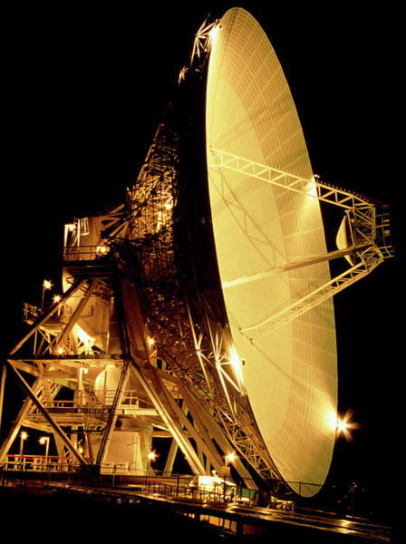 Satellite Dish Photograph - Goldstone 34-metre Radio Dish by Lynette Cook/science Photo Library