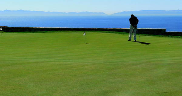 Photograph - Golfer Putting Scenic by Jeff Lowe
