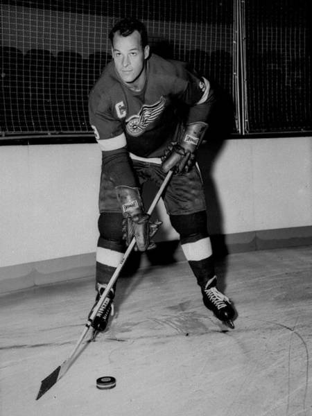 National Hockey League Wall Art - Photograph - Gordie Howe Poster by Gianfranco Weiss