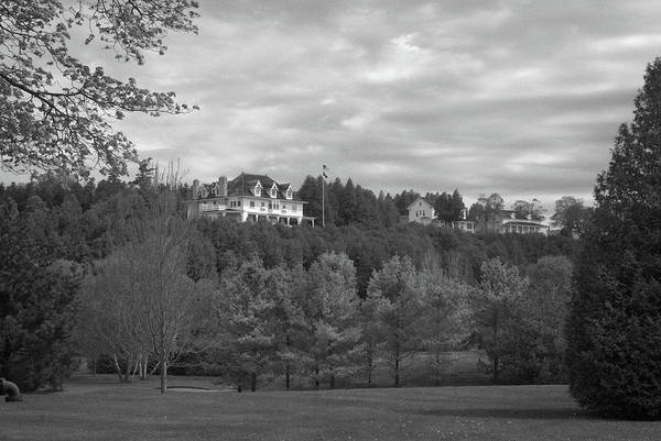 Photograph - Governor's Mansion 10399b by Guy Whiteley