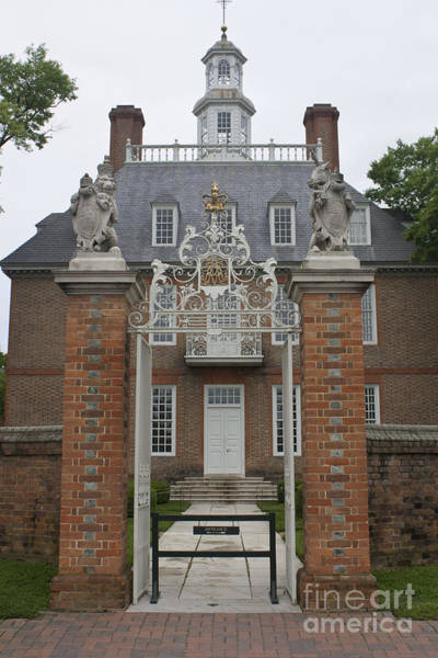 Royal Colony Photograph - Governors Palace by Teresa Mucha