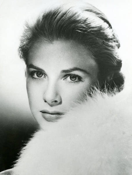 Film Star Photograph - Grace Kelly Close Up by Retro Images Archive