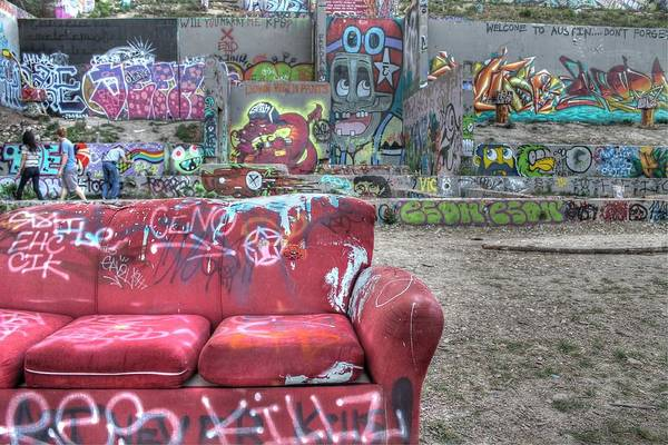 Linder Wall Art - Photograph - Grafitti Couch by Jane Linders