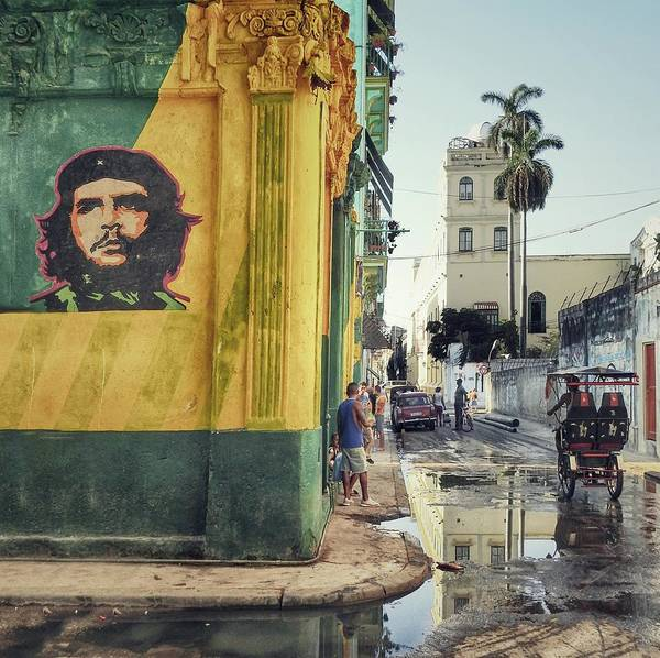 Palm Trees Photograph - Grafitti  (la Habana Vieja) by Roxana Labagnara
