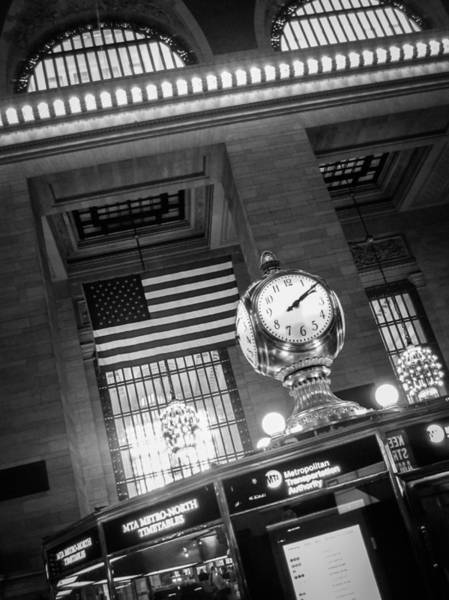 Grand Central Terminal Wall Art - Photograph - Grand Central by Alexander Mendoza