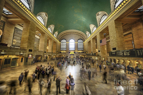 Photograph - Grand Central Rush by Ray Warren