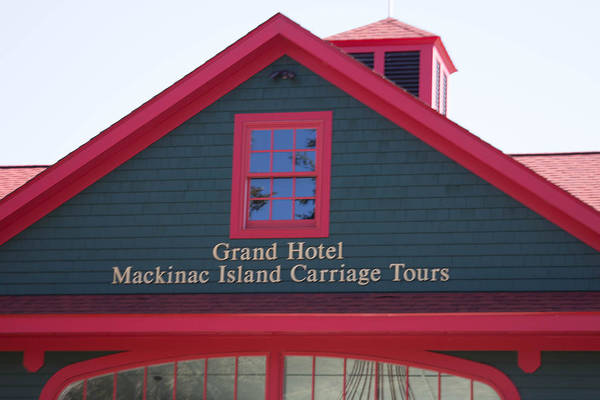 Wall Art - Photograph - Grand Hotel Mackinac Island Carriages by Robert Torkomian
