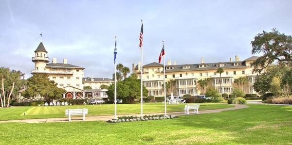 Photograph - Grand Manor On Jekyll Island by Gordon Elwell