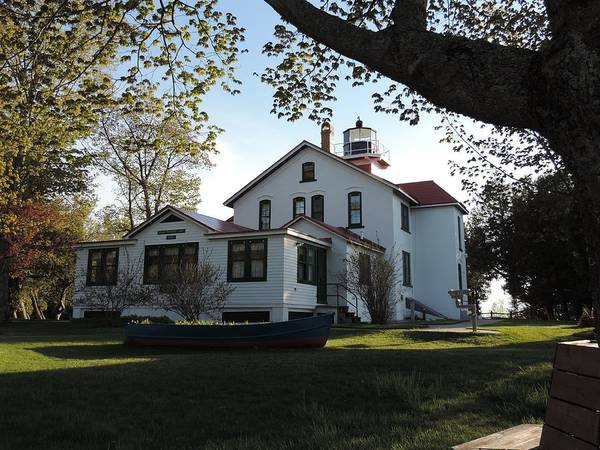 Photograph - Grand Traverse Lighthouse by Keith Stokes