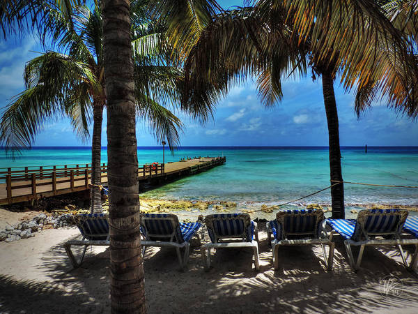 Photograph - Grand Turk Vacation 001 by Lance Vaughn