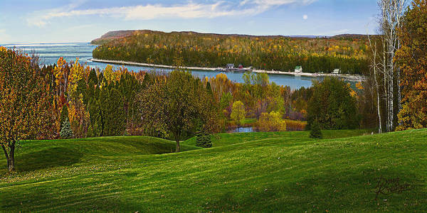 Wi Painting - Grand View Scenic Overlook by Doug Kreuger