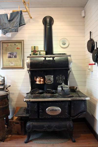 Photograph - Great-grandma's Stove by Gerry Bates