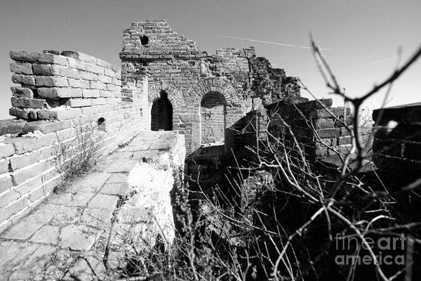 Photograph - Great Wall Ruins by Yew Kwang