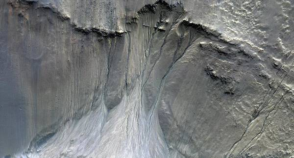 Gully Photograph - Gullies On Martian Sand Dunes by Nasa/jpl/university Of Arizona/science Photo Library