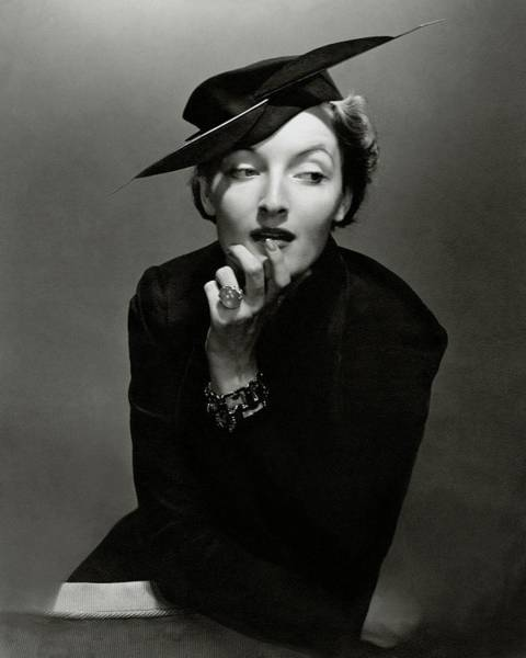 Celebrities Photograph - Gwili Andre Wearing Rose Descat And Tiffany by Edward Steichen