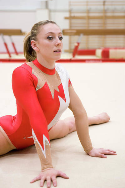 Agile Photograph - Gymnast Performing Front Splits by Gustoimages/science Photo Library