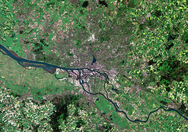 Hessen Photograph - Hamburg by Planetobserver/science Photo Library