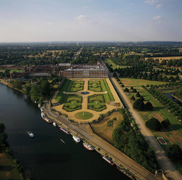 Privy Photograph - Hampton Court Palace And The Privy Garden by Skyscan/science Photo Library