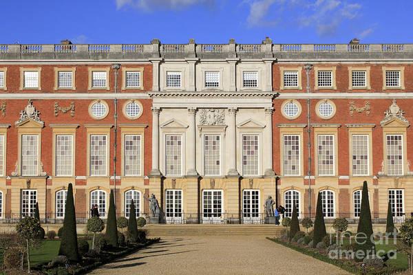 Hampton Court Palace Art Print