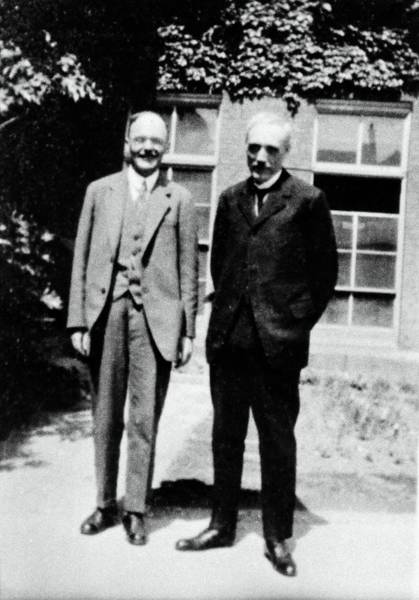 Wall Art - Photograph - Hans Geiger And Maurice De Broglie by Emilio Segre Visual Archives/american Institute Of Physics/science Photo Library