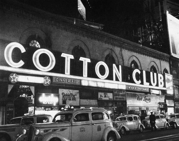 Wall Art - Photograph - Harlem Cotton Club, 1930s by Granger