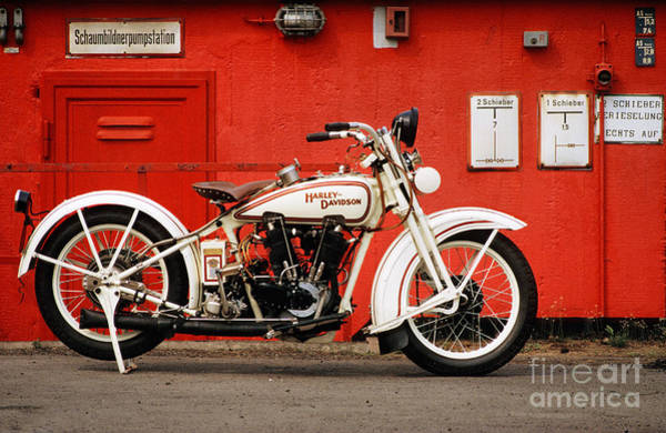 Wall Art - Photograph - Harley-davidson Jd 1927 by Frank Kletschkus