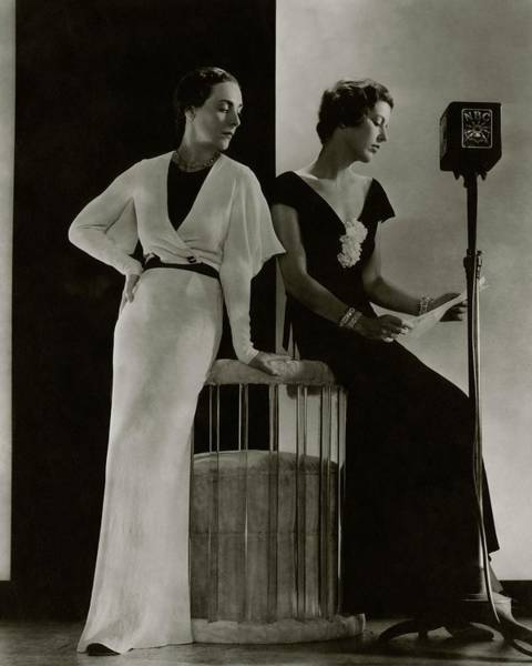 Reading Photograph - Harriet Hamil And Eleanor Barry by Edward Steichen