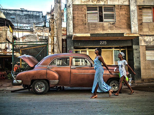Classic Car Photograph - Havana by Svetlin Yosifov