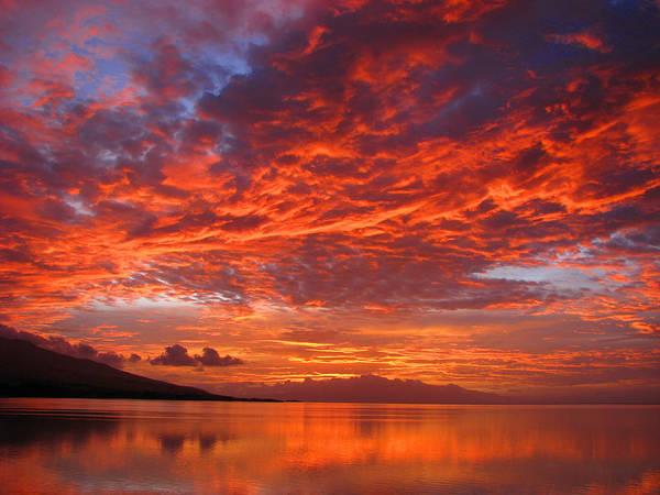 Wall Art - Photograph - Hawaii Sunrise by James Temple