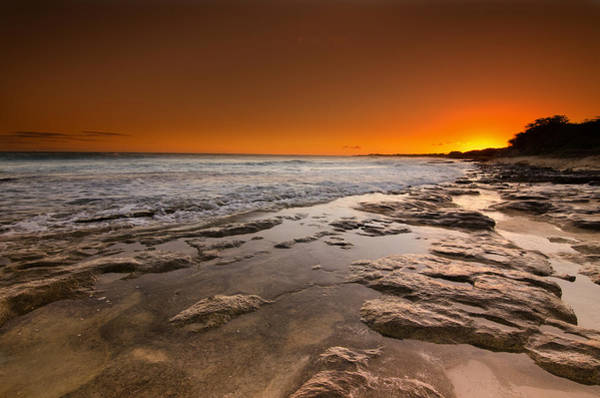 Wall Art - Photograph - Hawaiian Sunset by Tin Lung Chao