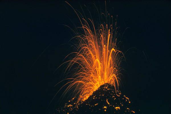Photograph - Hawaiian Volcano by Arthur Roy